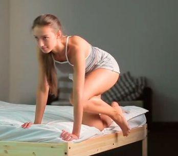 6 exercícios que você pode fazer na cama