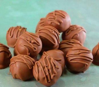Bombons com manteiga de amendoim: aprenda a fazer