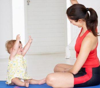 Veja como fazer exercícios físicos com seu bebê