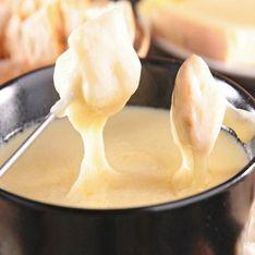Fondue de queso, ¡aprende a hacerla!