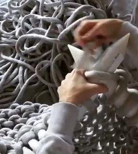 Wow, vous n'avez sans doute jamais vu un tricotage aussi grandiose