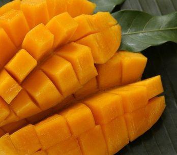 Praticidade na hora de descascar e cortar frutas, veja