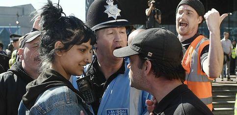 Elle devient l'icône anti-extrême droite à Birmingham