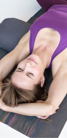 11 postures idéales pour se mettre au yin yoga