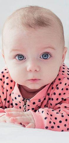 70 prénoms courts et originaux pour une petite fille