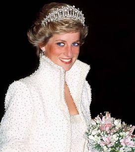 Les plus belles robes portées par les reines et princesses du monde