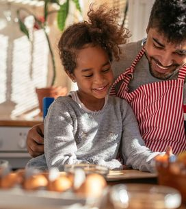 6 activités à faire en cuisine avec les enfants pour les occuper