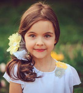 30 peinados con flores ideales para niñas