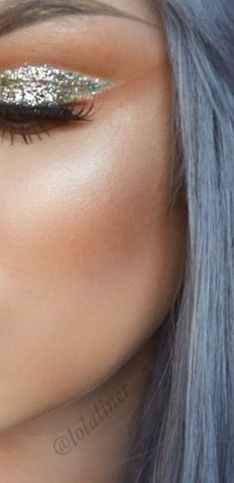 Maquillaje de ojos con purpurina: ideas para tus looks de noche