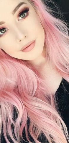 Maquillaje a juego con el color de pelo: looks perfectos para combinar