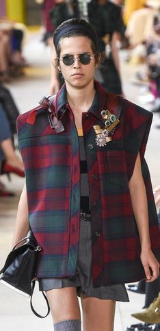 Miu Miu cambia radicalmente su estilo en la Paris Fashion Week
