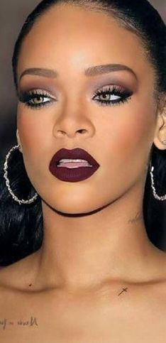 Ideas de maquillaje 'burgundy', la tendencia que reinará este invierno