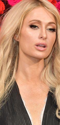 Hortera, pero con glamour: la evolución de Paris Hilton en la moda