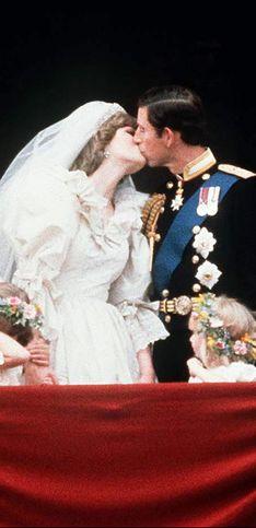 Los besos más impresionantes de la familia real británica