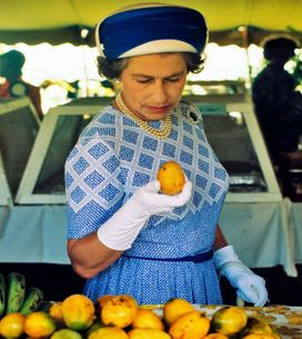 ¿Solo sandwich con forma octogonal? Los sorprendentes hábitos alimenticios de la reina Isabel II