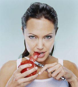 Ranas, cuchillos o casas encantadas: estas son las aficiones más raras de los famosos