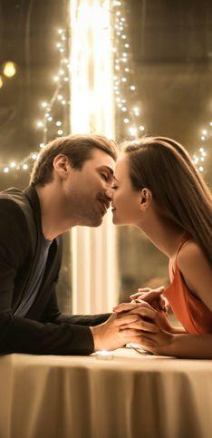 Cosa fare a Capodanno in coppia: idee romantiche per l'ultimo dell'anno