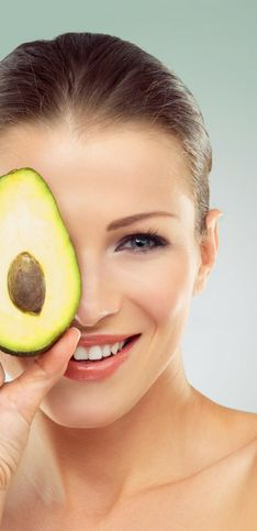 I cibi che fanno bene alla pelle: come migliorare la pelle del viso mangiando!