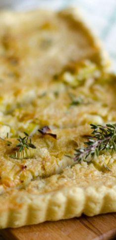 Torta salata vegana: la ricetta con porro e farina di ceci!