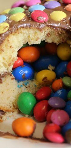 Torta pignatta: un'idea golosa per una torta di compleanno sorprendente!