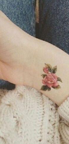 Tatuaggi fiori: significati e idee a cui ispirarti!