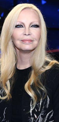 Patty Pravo ieri e oggi: il grande cambiamento lungo la sua carriera