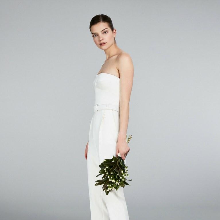 5d6ca93b57c1 Matrimonio civile  ecco gli abiti ideali da indossare!
