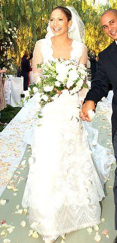 DAS war das beliebteste Brautkleid in deinem Geburtsjahr