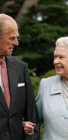 Queen Elisabeth II. und Prinz Philip: Ihre Liebesgeschichte in Bildern