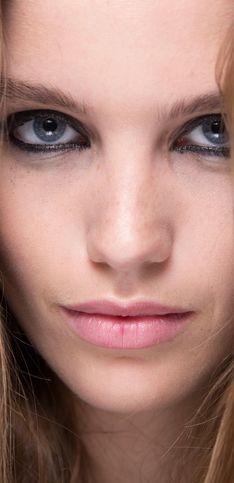 Blaue Augen richtig schminken: 80 Make-up Ideen