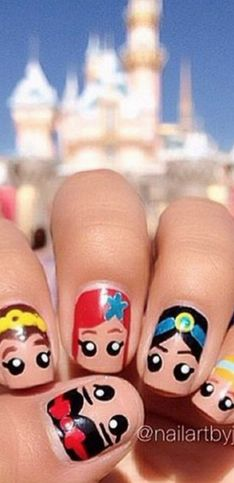 Mergulhe no mundo mágico da Disney com essas 30 nail arts