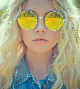 Óculos com lentes coloridas são a trend do momento