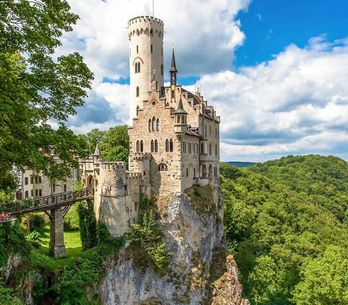 50 of the most beautiful castles in the world