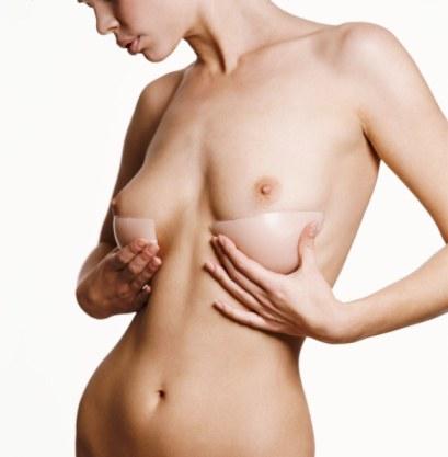 chirurgie esthétique © Digital Vision
