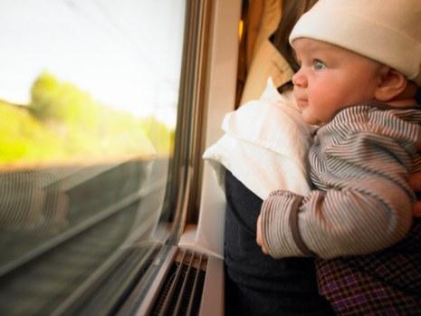 Prendre le train avec bébé