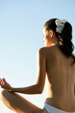 Le yoga permet de détendre à la fois le corps, et l'esprit...