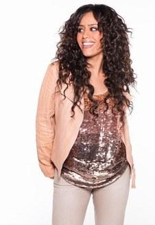 Amel Bent... Convaincue par Weight Watchers