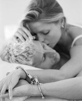 Faire l'amour attaché...