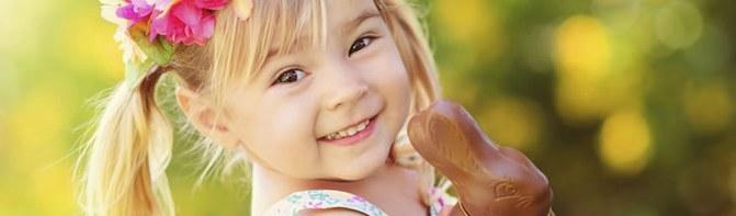 Les enfants adorent aller à la chasse aux oeufs ©iStock