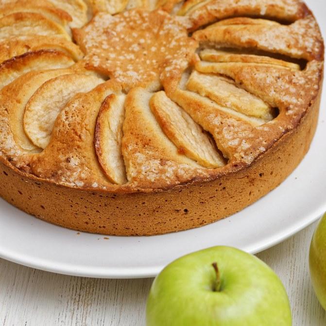Recette de gâteau facile aux pommes ©istock