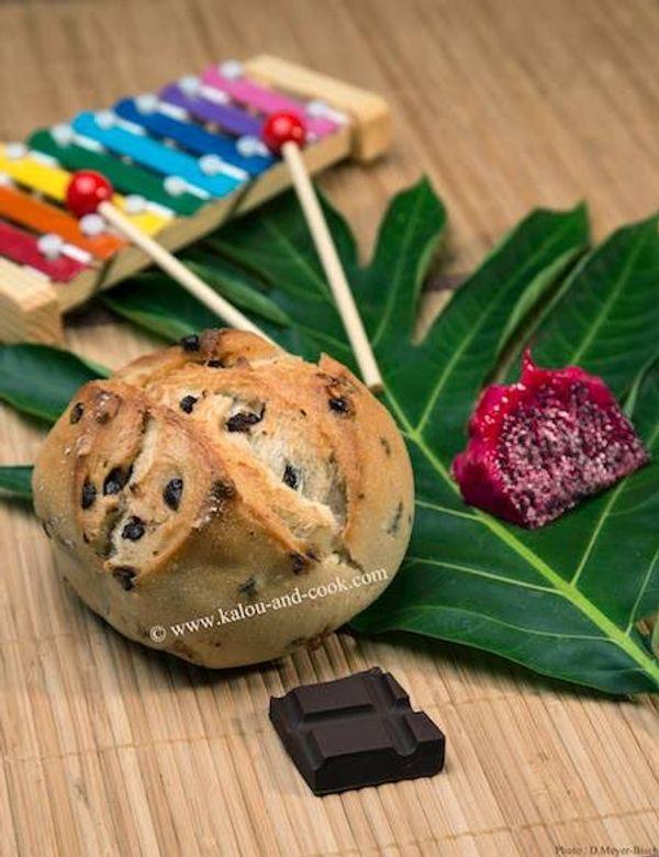 Le Macatia chocolat by Kalou & Cook