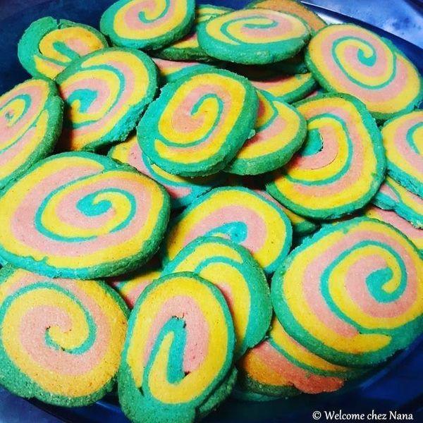 Sablés tricolores / Biscuiti tricolori (article bilingue fr- rou)