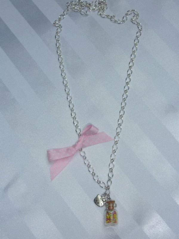 Qui aura la chance de recevoir un joli collier?? Et une surprise??