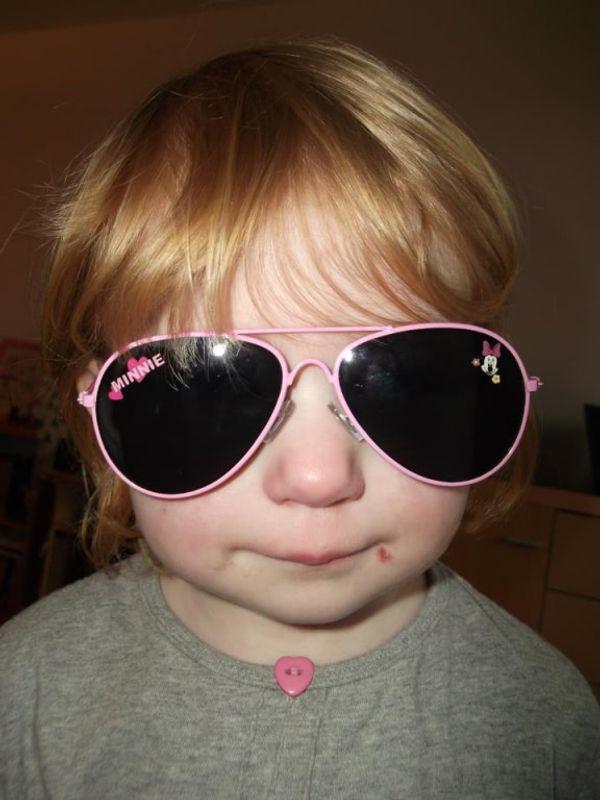 Les nouvelles lunettes de soleil d'Eva