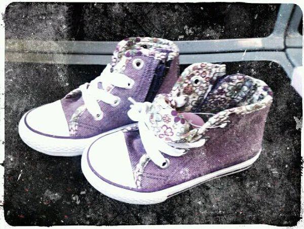 Les nouvelles chaussures d'Eva