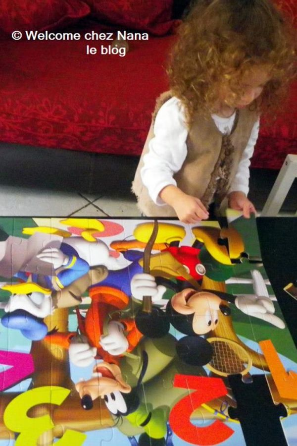 ACTIVITE: Puzzle géant Mickey Mouse 32 pièces