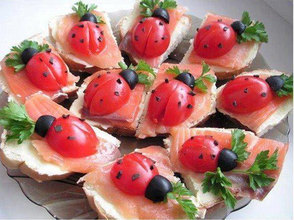 Toasts au saumon et aux ...COCCINELLES ???