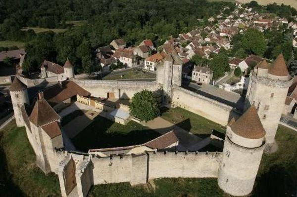 Le chateau de Blandy les tours