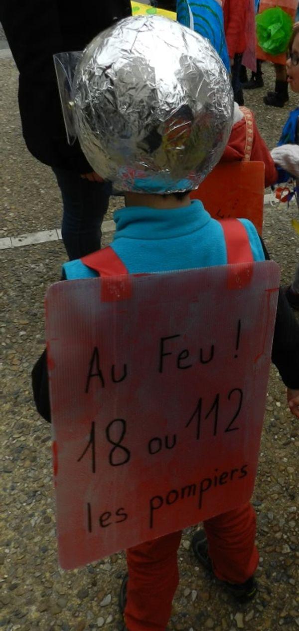 Apprendre les numéros d'urgence à nos enfants (photos carnaval dedans ^^) !