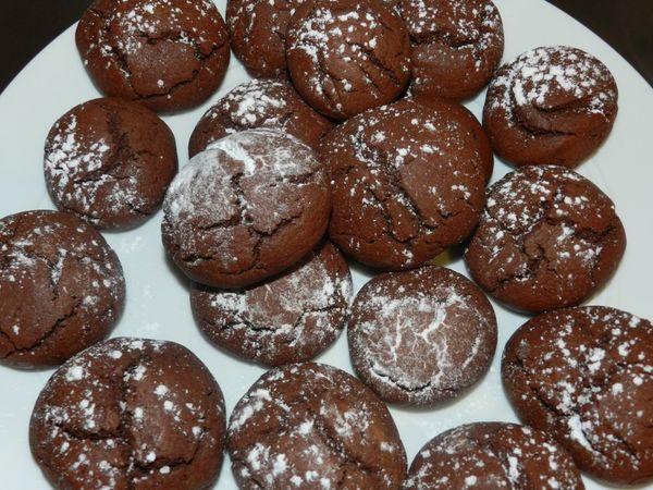 La recette facile de supers petits gâteaux au chocolat, les crinckles !